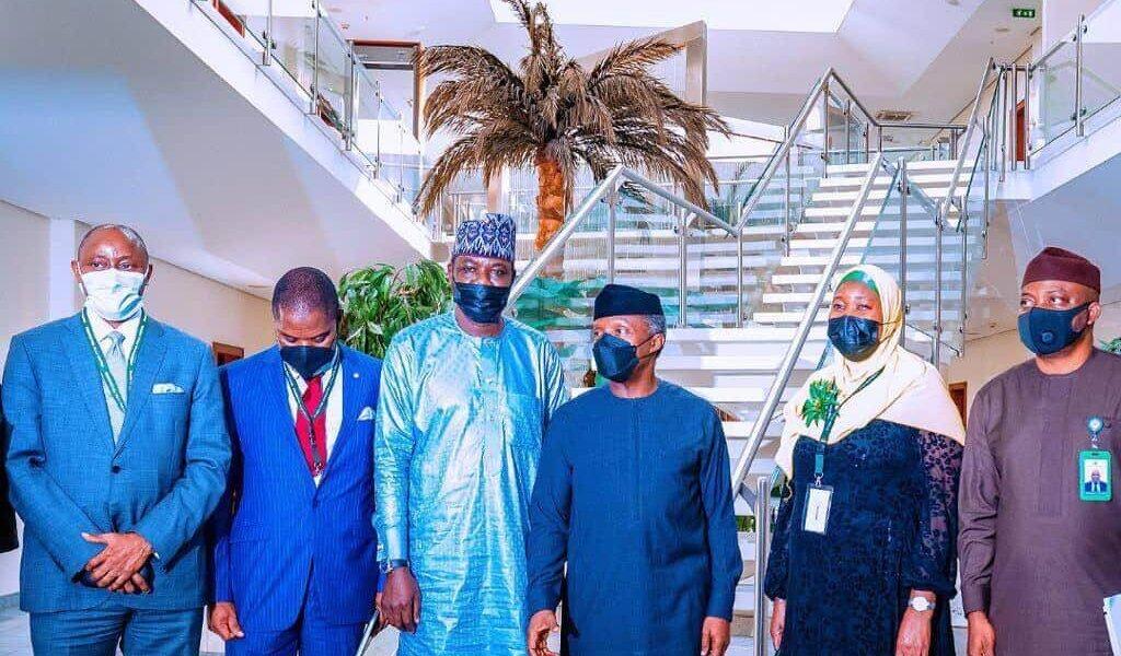 (L-r) Ariyo Olusekun, Amani Momodu, Executive Chairman MPAC, Disu Kamor, Vice President Yemi Osinbajo SAN, Alhaja Rahmat Egbeyemi and Deen Asekun during MPAC's courtesy visit to Vice President Yemi Osinbajo SAN at the State House, Abuja. 30th Aug, 2021.